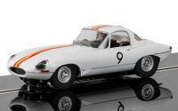 Autíčko Circuit SCALEXTRIC C3890 - Jaguar E Type 1965 Bathurst Bob Jane - NEW TOOLING (1:32)